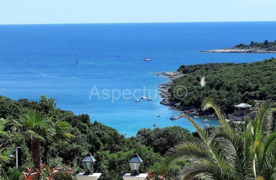 Duga Uvala, apartment on the ground floor of 72,73m2, sea view