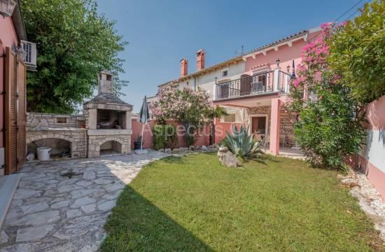 Продажа, Дом 90m2, Полностью меблирована, Ližnjan, Valtura