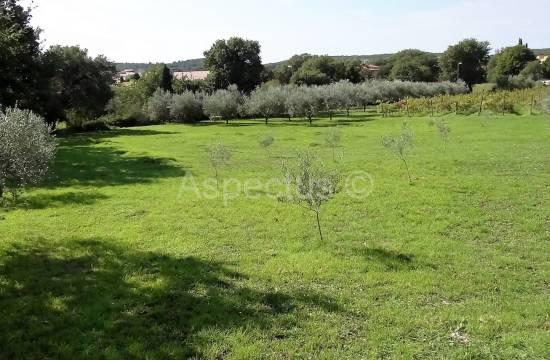 Prodaje se, građevinsko zemljište 2032m2, Medulin, Pomer