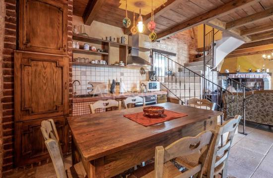 Stone house, three bedrooms, furnished, Marčana, Orbanići