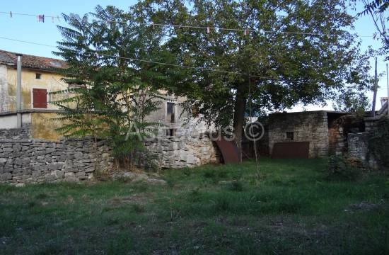 Istrisches Steinhaus mit Bauland 1500m2, Glavani, Barban