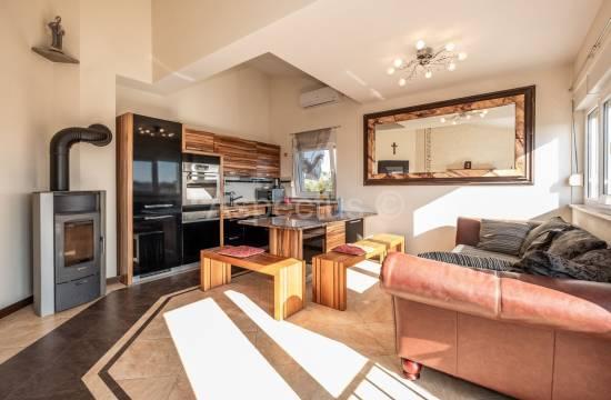 Appartamento con due camere da letto, galleria, arredato, Medolino