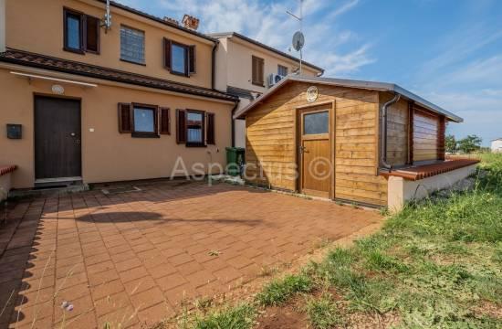 Četverosobna kuća nadomak centra grada, Novigrad