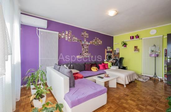 Apartment, three bedrooms, furnished, elevator, Pula, Šijana