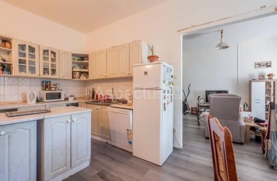Appartamento con tre camere da letto in un'ottima posizione, 2 ° piano, Pola, Veruda