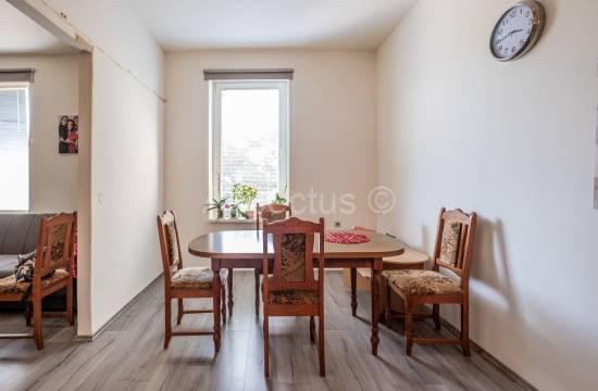 Trosobno stanovanje na odlični lokaciji, 2. nadstropje, Pula, Veruda