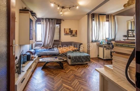 Ampio e confortevole appartamento con una camera da letto, 52,47 m2, Pola, Veruda