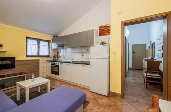 Enosobno stanovanje 34,23 m2, opremljeno, Pula