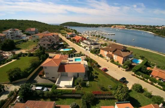 Luxury villa with pool, sea view, Medulin, Volme