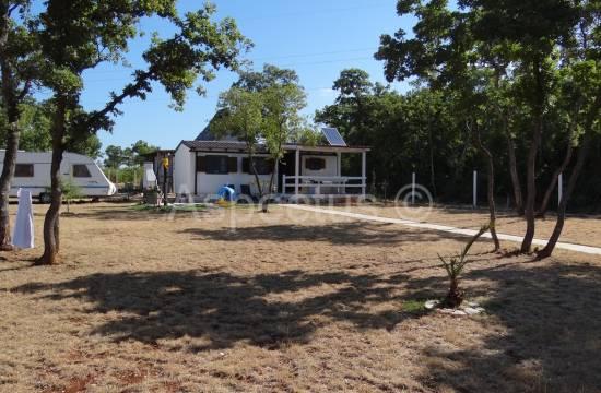 Barbariga, Land mit Wochenendhaus von 25m2
