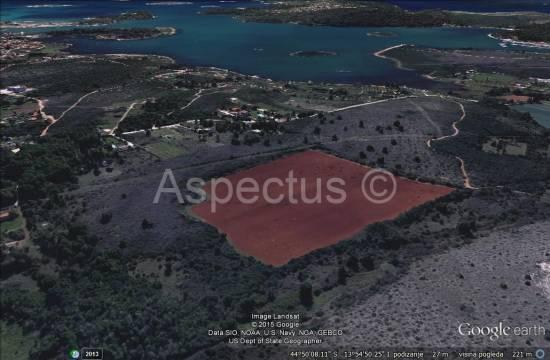 Medulin, Pomer 4130m2 landwirtschaftlichen Flächen