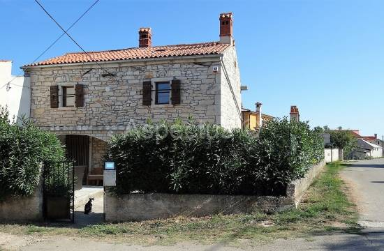 For sale, renovated stone house 120m2, Istria, Marcana