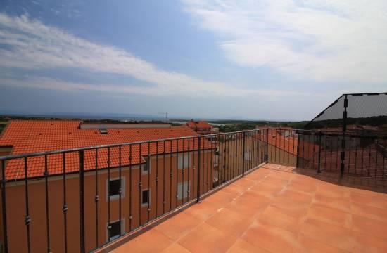 Spacious duplex apartment for sale in Liznjan!