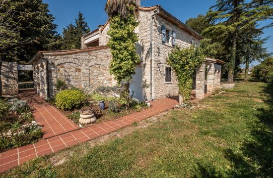 NOVIGRAD:Authentic stone houses estate, very rare on the market!